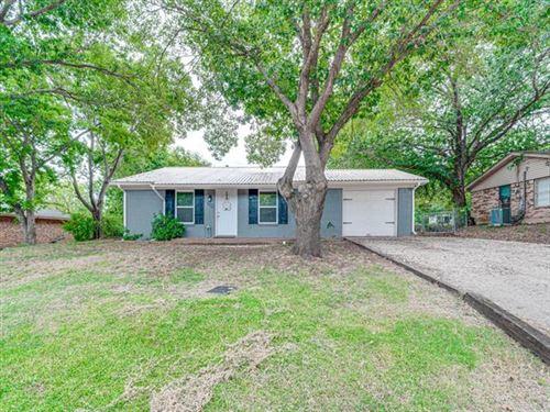 Photo of 602 N 1st Street, Midlothian, TX 76065 (MLS # 14403994)