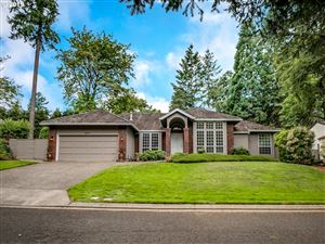 Photo of 14211 DOLPH CT, Lake Oswego, OR 97034 (MLS # 19645343)