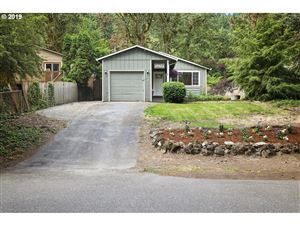 Photo of 19871 VIEW DR, West Linn, OR 97068 (MLS # 19181408)