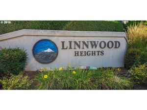 Photo of 20090 LARKSPUR LN 36 #36, West Linn, OR 97068 (MLS # 19034718)