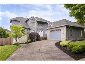 Photo of 395 NW PACIFIC GROVE DR, Beaverton, OR 97006 (MLS # 19332756)