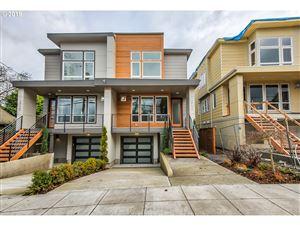 Photo of 2732 SE 28TH AVE, Portland, OR 97202 (MLS # 19548936)