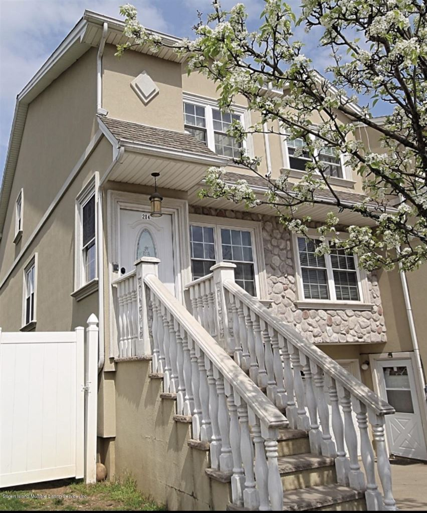 Photo for 204 Dartmouth Loop, Staten Island, NY 10306 (MLS # 1128195)