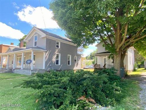 Photo of 307 N NOTTAWA Street, Sturgis, MI 49091 (MLS # 20031004)