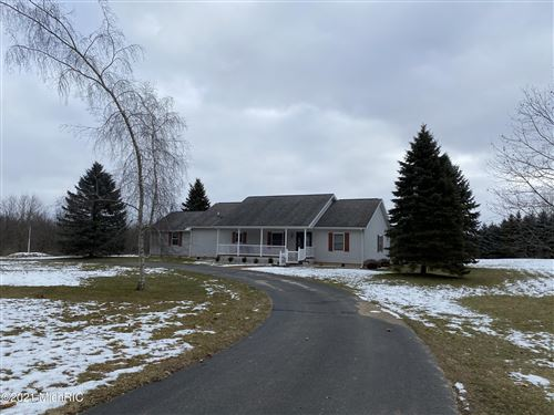 Photo of 2993 Half Moon Lake Road, Hillsdale, MI 49242 (MLS # 21002248)