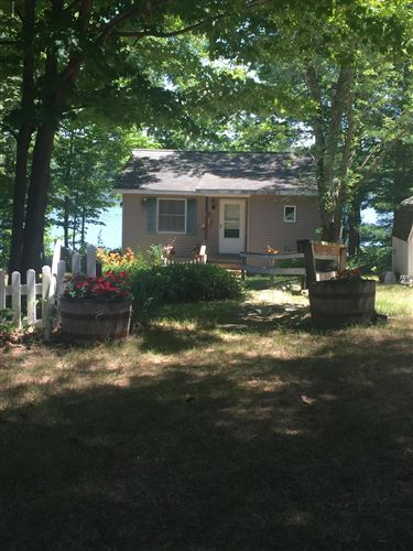 Photo of 1847 Arrowhead Trail E, Allegan, MI 49010 (MLS # 20018282)
