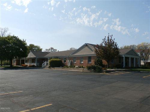 Photo of 2970 S 9th Street, Kalamazoo, MI 49009 (MLS # 21111430)