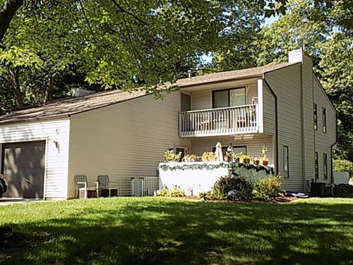 Photo of 17472 Parkwood Drive #C, Spring Lake, MI 49456 (MLS # 21106873)