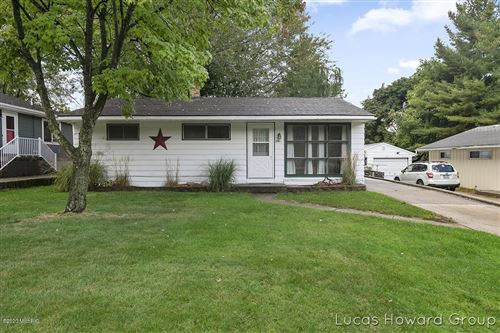 Photo of 2941 Cheney Avenue NE, Grand Rapids, MI 49505 (MLS # 20040970)