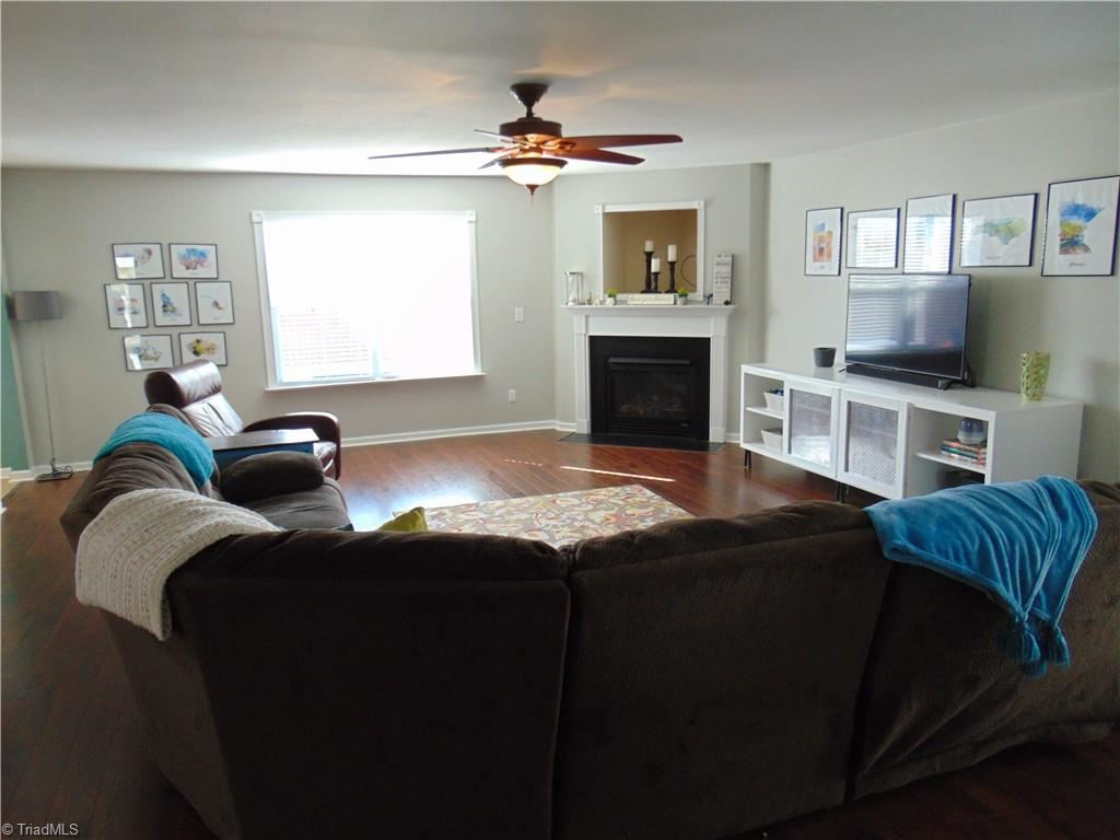Photo of 478 Hancock Drive, Kernersville, NC 27284 (MLS # 1009086)