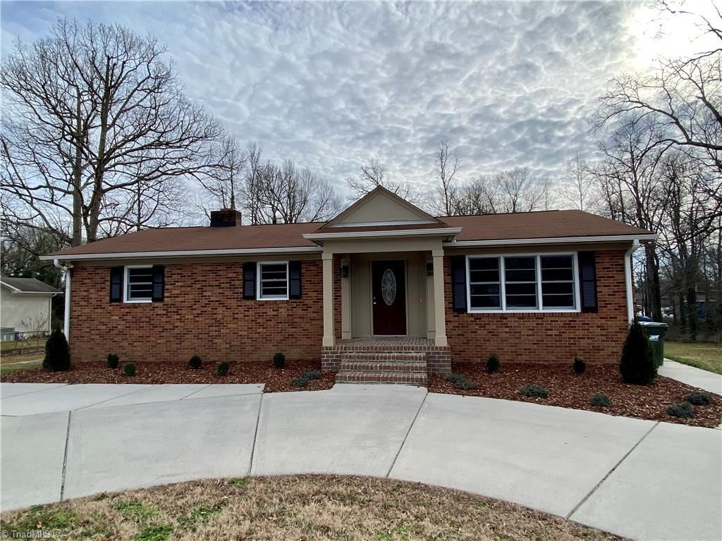 Photo of 118 Englewood Drive, Archdale, NC 27263 (MLS # 1010446)