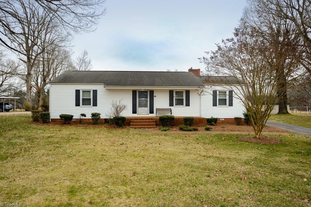 Photo of 266 Pleasant Grove Church Road, Thomasville, NC 27360 (MLS # 1013454)