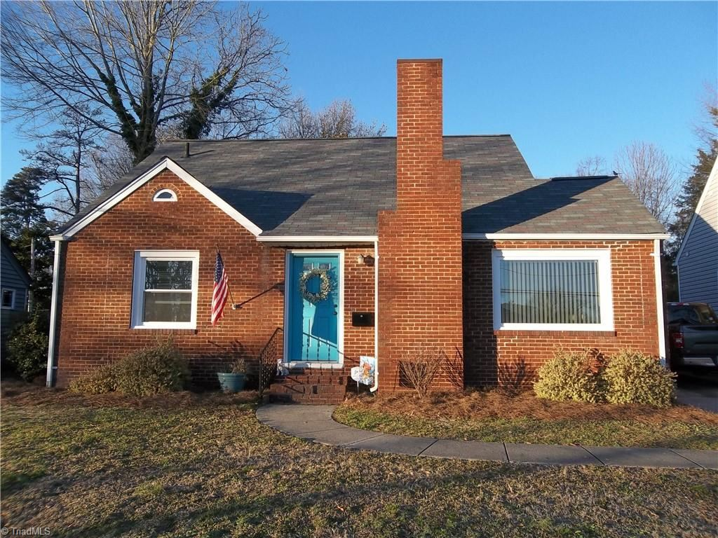 Photo of 902 Chestnut Drive, High Point, NC 27262 (MLS # 1010455)