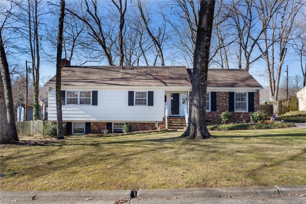 Photo of 3503 Fox Place, Greensboro, NC 27408 (MLS # 1010491)