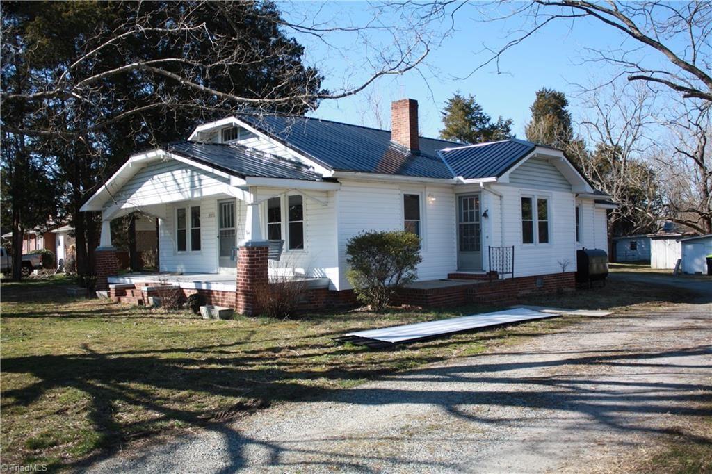 Photo of 957 E Holly Grove Road, Lexington, NC 27292 (MLS # 1013614)