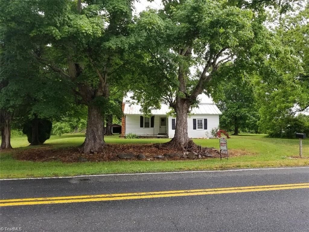 Photo of 3369 E Holly Grove Road, Lexington, NC 27292 (MLS # 1013667)