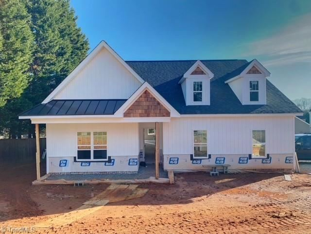 Photo of 341 N Peace Haven Road, Winston Salem, NC 27103 (MLS # 1008827)