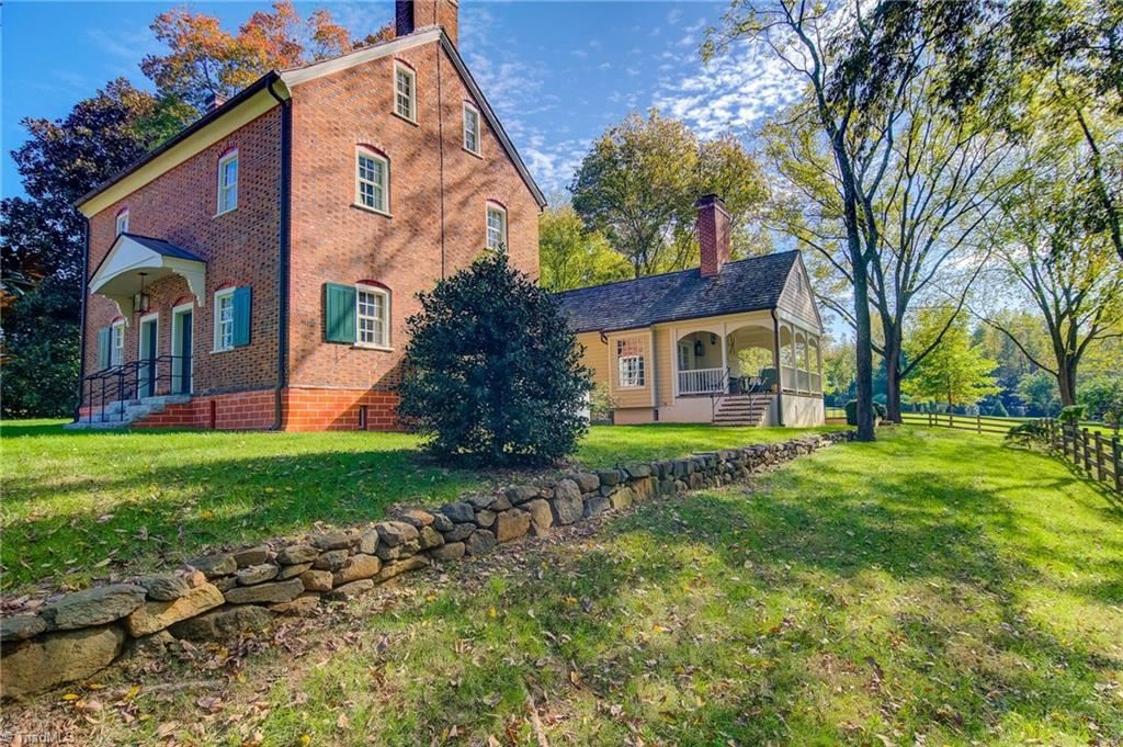 Photo of 3550 Middlebrook Drive, Clemmons, NC 27012 (MLS # 1007961)