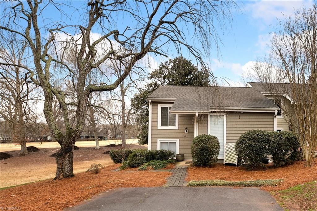 Photo of 169 Golfview Drive, Bermuda Run, NC 27006 (MLS # 1012973)