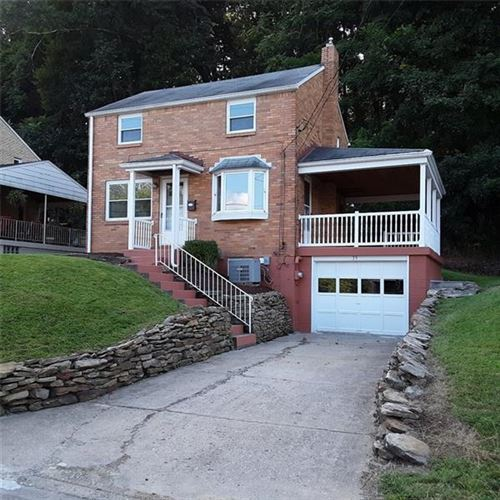 Photo of 35 Glenview Ave, Greensburg, PA 15601 (MLS # 1417068)