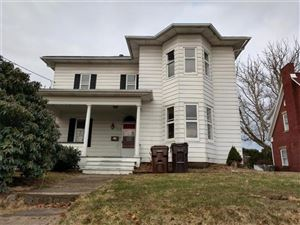 Photo of 212 College Ave, GROVE CITY, PA 16127 (MLS # 1388442)