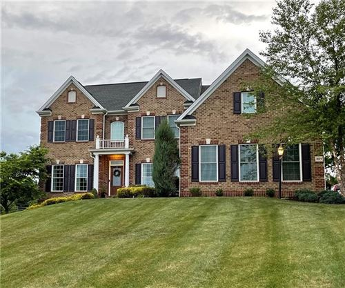 Photo of 301 Hedgerow Dr, Peters Township, PA 15367 (MLS # 1514619)