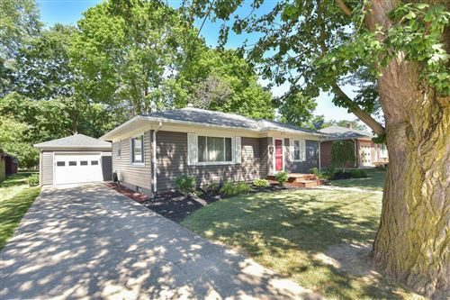 Photo of 421 Linden Street, Bellefontaine, OH 43311 (MLS # 1004383)