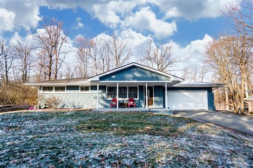 Photo of 1121 White Oak Drive, Springfield, OH 45504 (MLS # 1000720)