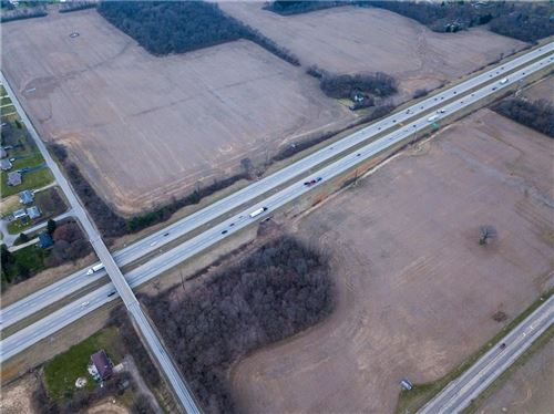 Photo of 2243 S Burnett Road, Springfield, OH 45505 (MLS # 1004734)
