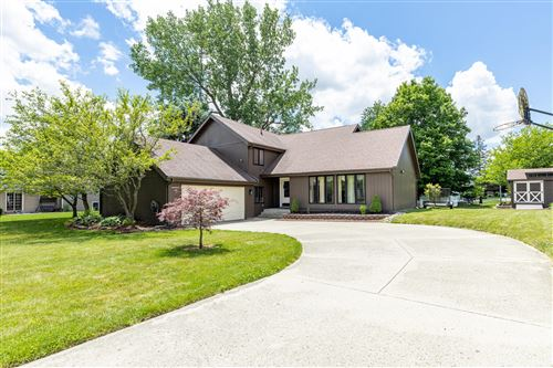 Photo of 505 Oakwood Drive, Bellefontaine, OH 43311 (MLS # 1003876)
