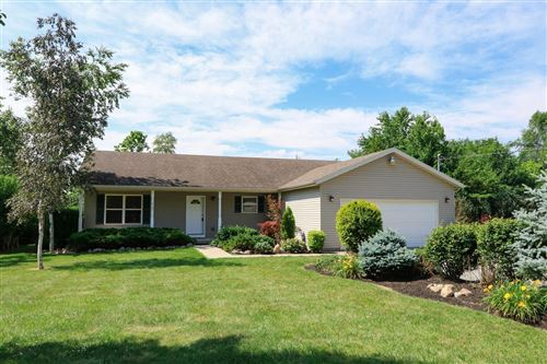 Photo of 4909 E County Line Road, Springfield, OH 45502 (MLS # 1003907)