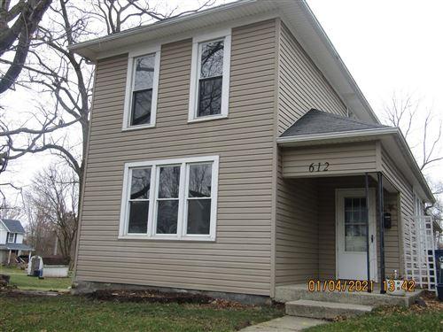 Photo of 612 W Auburn Avenue, Bellefontaine, OH 43311 (MLS # 1007915)