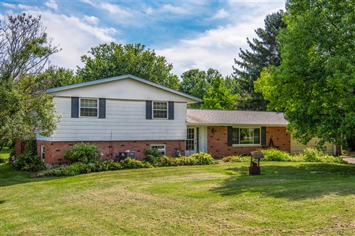 Photo of 3393 Crist Road, Springfield, OH 45502 (MLS # 1004979)