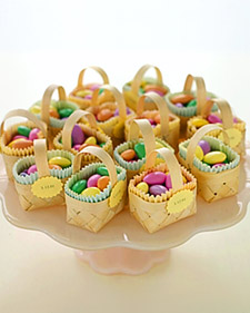 I just love these! I think the small baskets are so adorable!