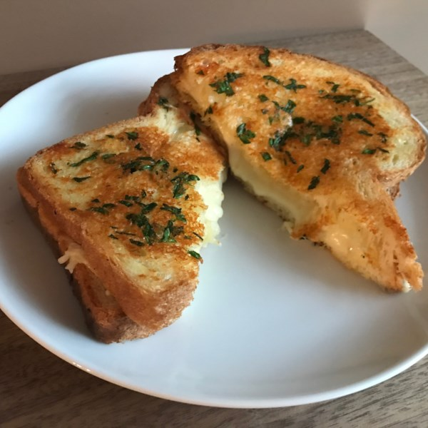 garlic bread grilled cheese