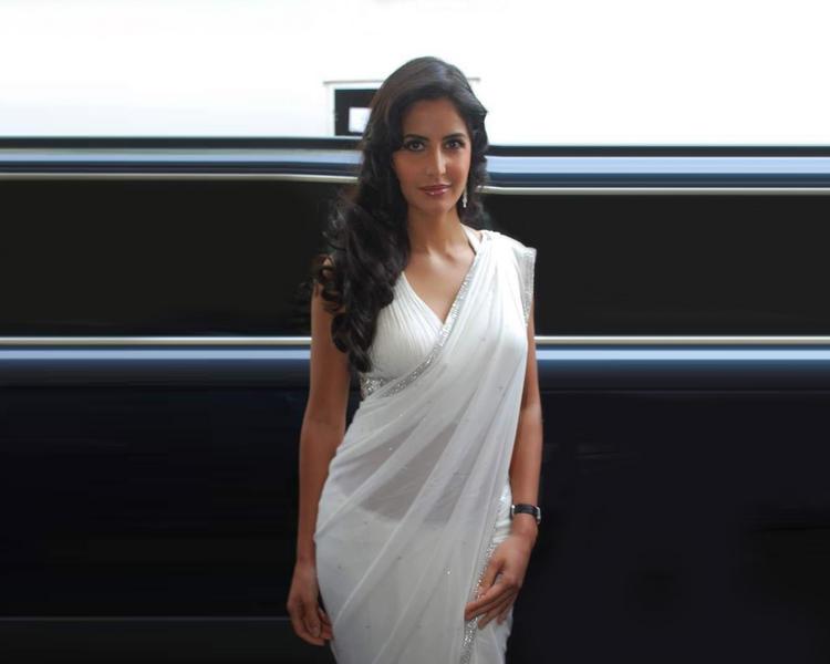 Katrina Kaif In White Sexy Saree Pic