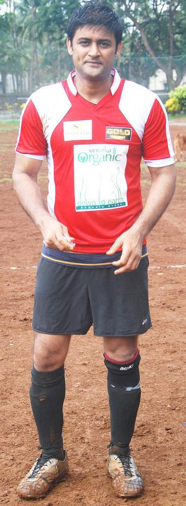 Manav Gohil Plays Gold's Charity International Soccer Football Match