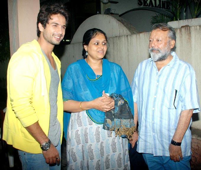 Shahid Kapoor With Family at Screening of Teri Meri Kahaani