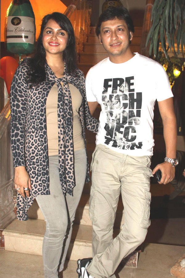 Grdeep Kohli and Hubby Arjun Punj at Mika Singh Birthday Party