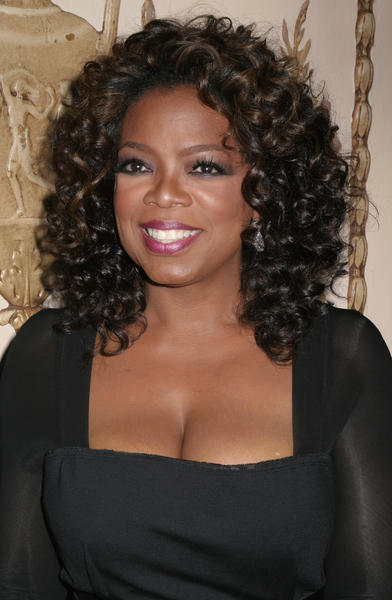 Oprah Winfrey Curly Hair Style Smiling Pic