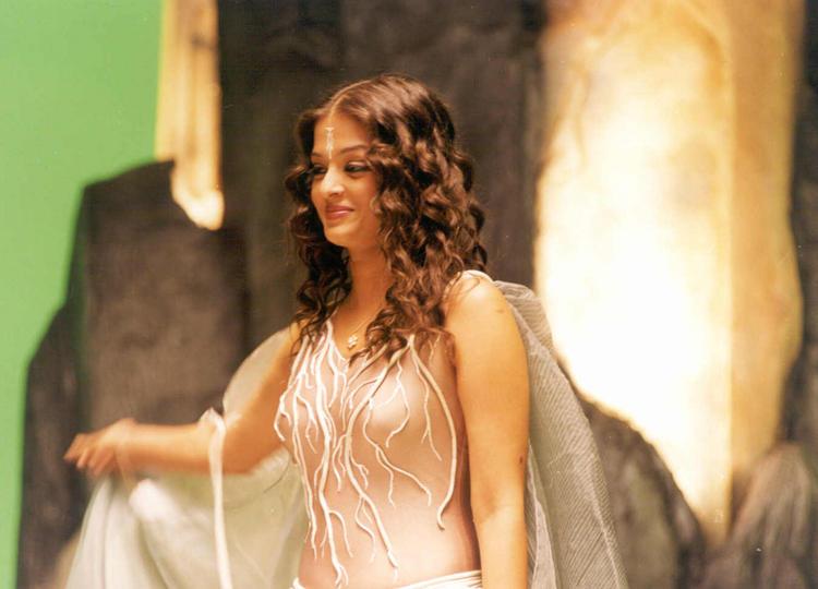 Aishwarya Rai Amazing Look Still
