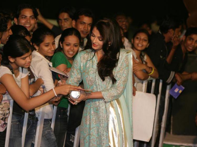 Aishwarya Rai Autograph Still