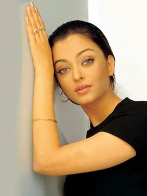 Aishwarya Rai Senseous Pretty Still