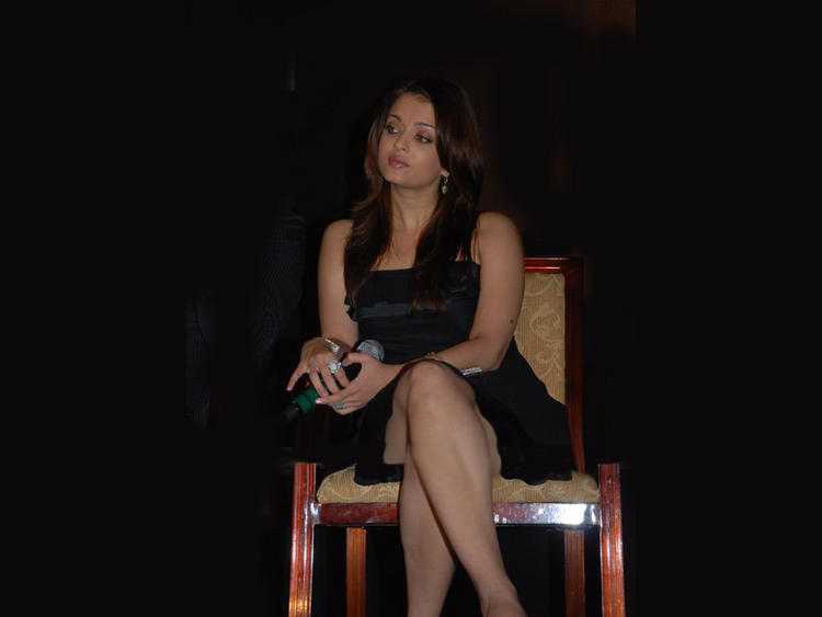 Aishwarya Rai Sitting Pose Photo Shoot