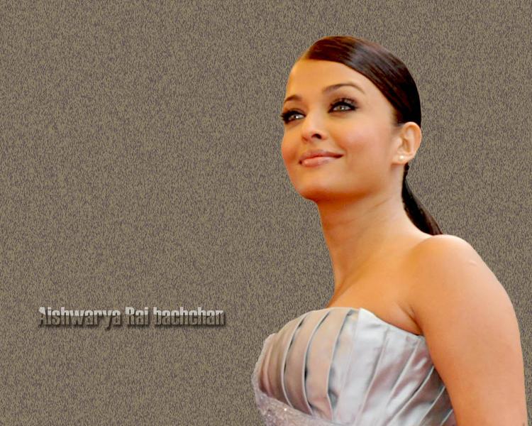 Aishwarya Rai Sizzling Hot Wallpaper
