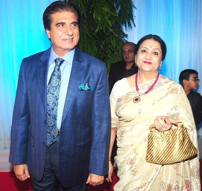 Raj Babbar With His Wife Nadira at Esha Deol Wedding Reception