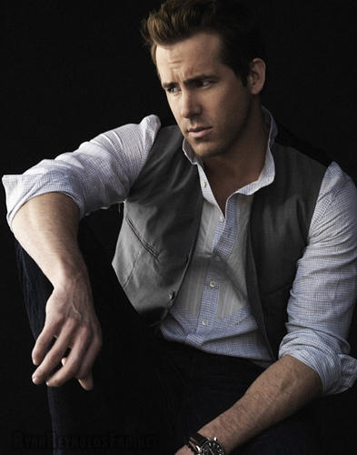 Canadian Star Ryan Reynolds Photo