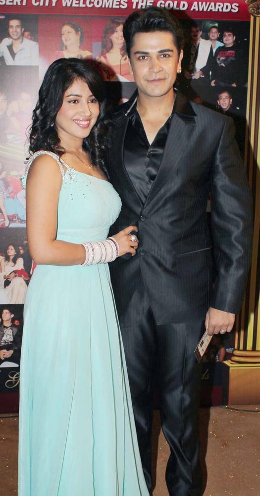 Akangsha With Piyush At The 5th Boroplus Gold Awards