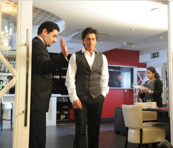 Shahrukh Khan Spotted at Chack89 Restaurant