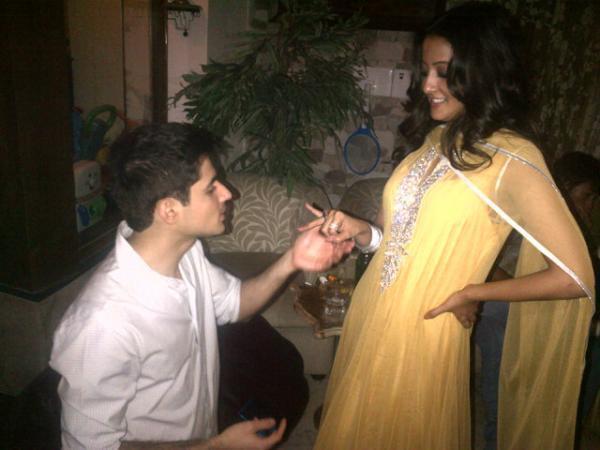 Exclusive Pic of Raima Sen With Her Future Husband Varun Thapar